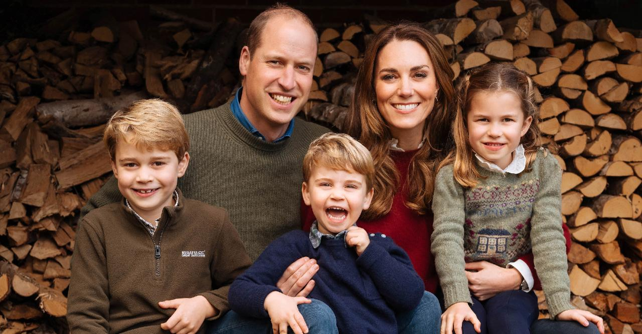 posting happy family photos kate middletons way of fighting back against prince harrys claims