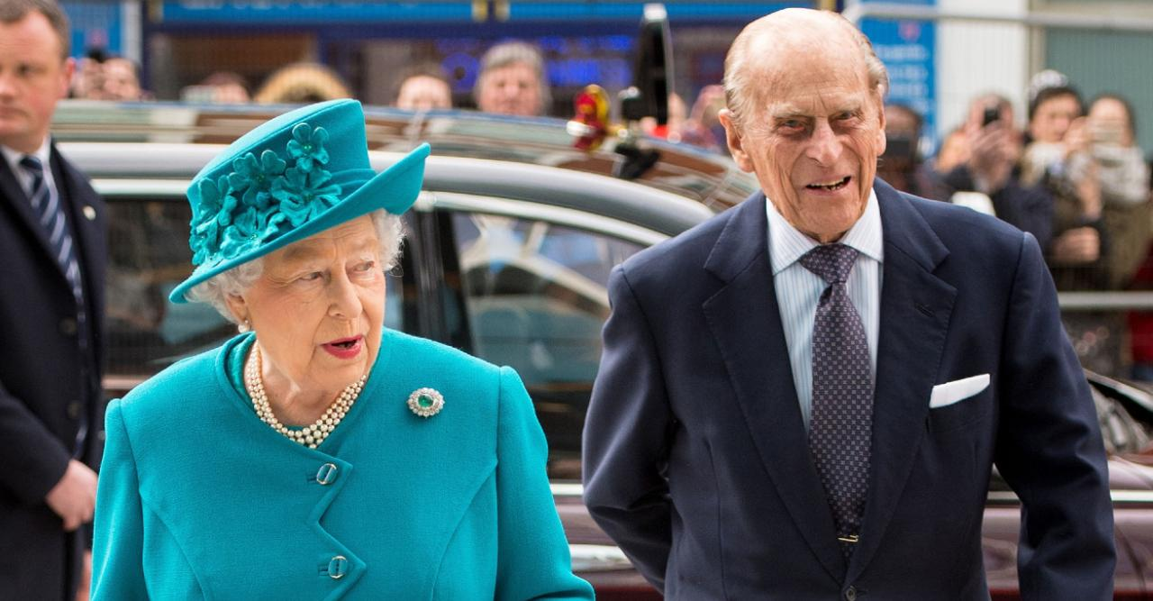 queen elizabeth finds it cathartic to witness publics tribute to prince philip
